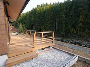 中川木材産業のウッドデッキ