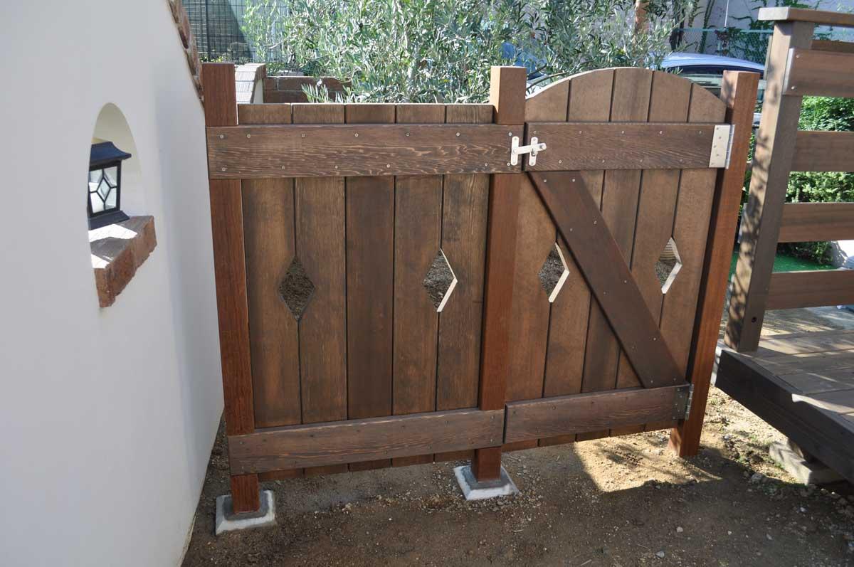 キットの木製門扉