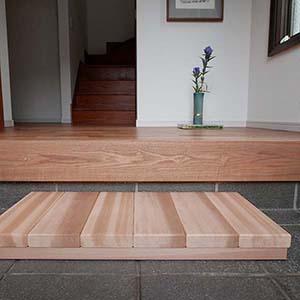 玄関ステップ 事例4